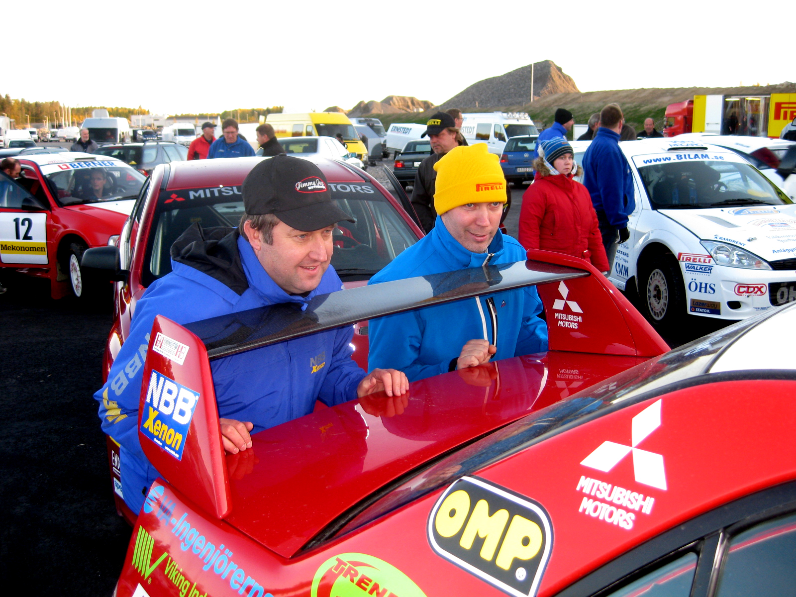 Rallyförarna är sig själva och många är riktiga profiler